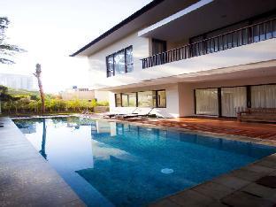 Permai Pool Villa Dago Pakar