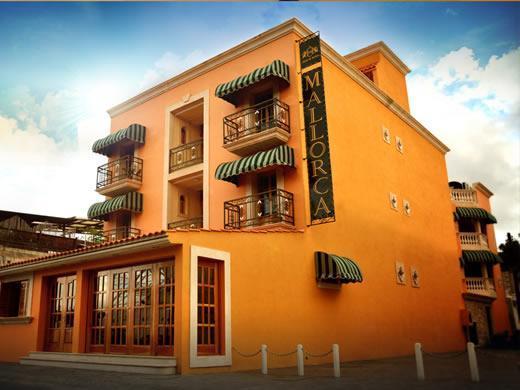 Cancun International Suites