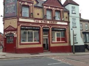 The King Harry Bar And Hostel
