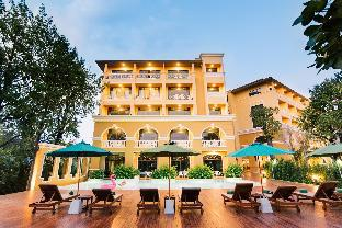 The Pineapple Hotel เดอะ ไพน์แอปเปิ้ล โฮเต็ล
