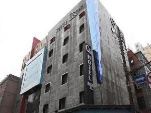 C N Hotel