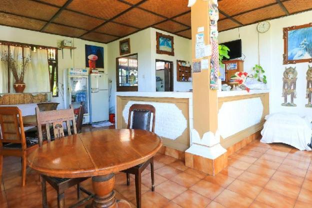 Surfaris Inn