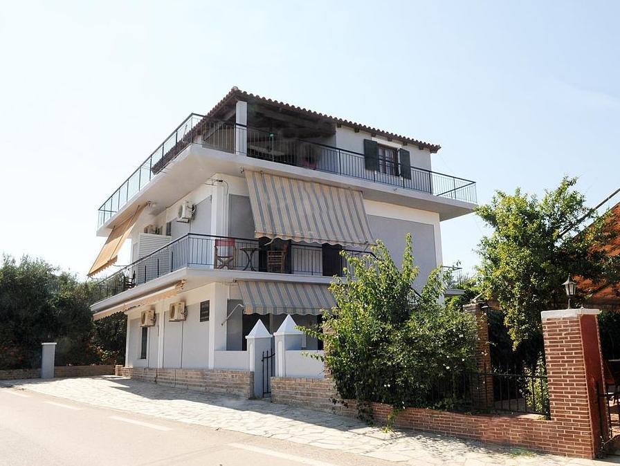 Brigitta Apartments