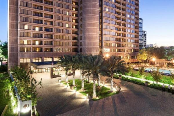 DoubleTree Suites by Hilton Houston by the Galleria Houston