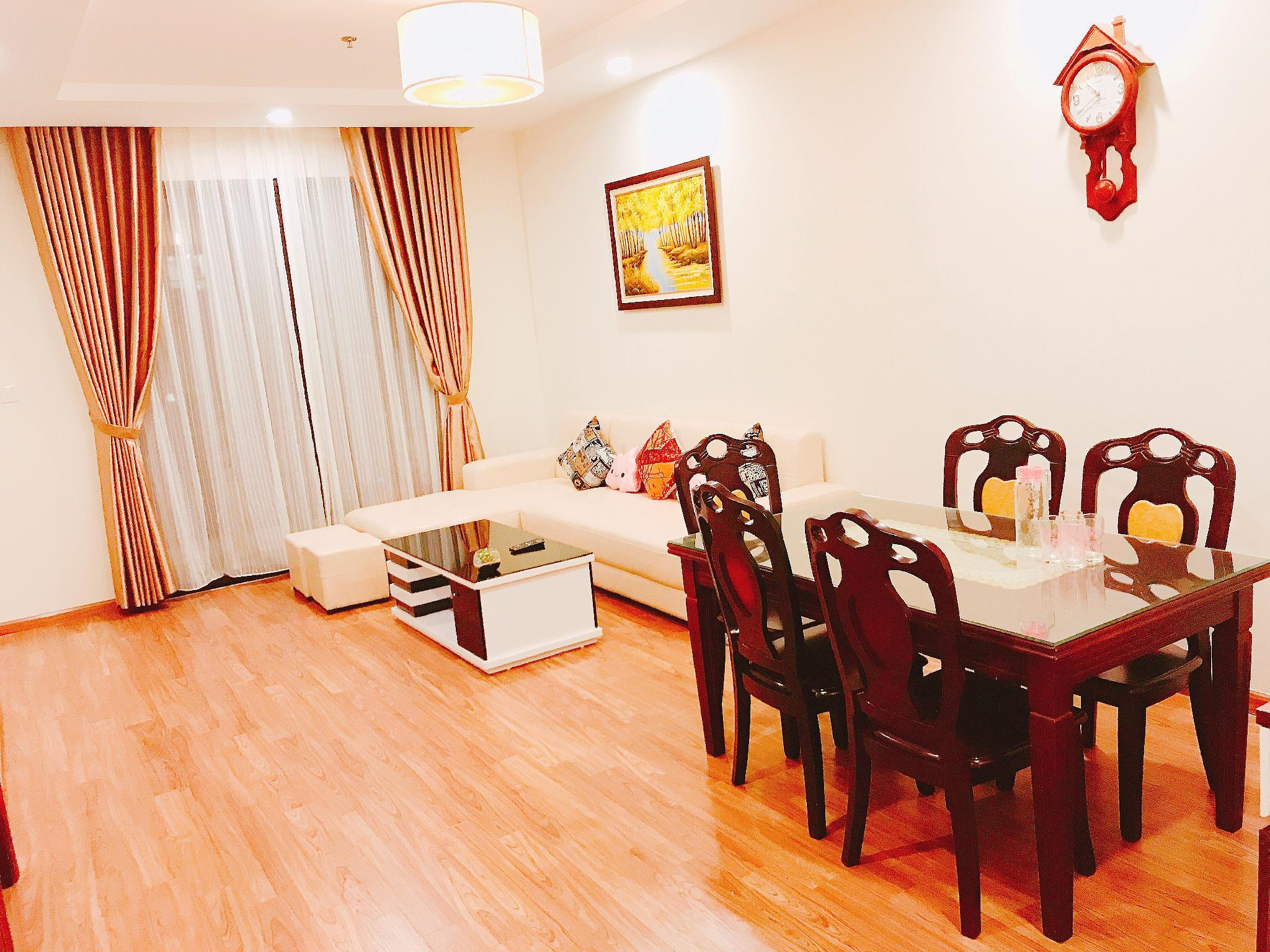 Full House Times City Apartment