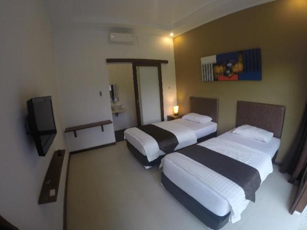 Bombora Surf Camp Hotel