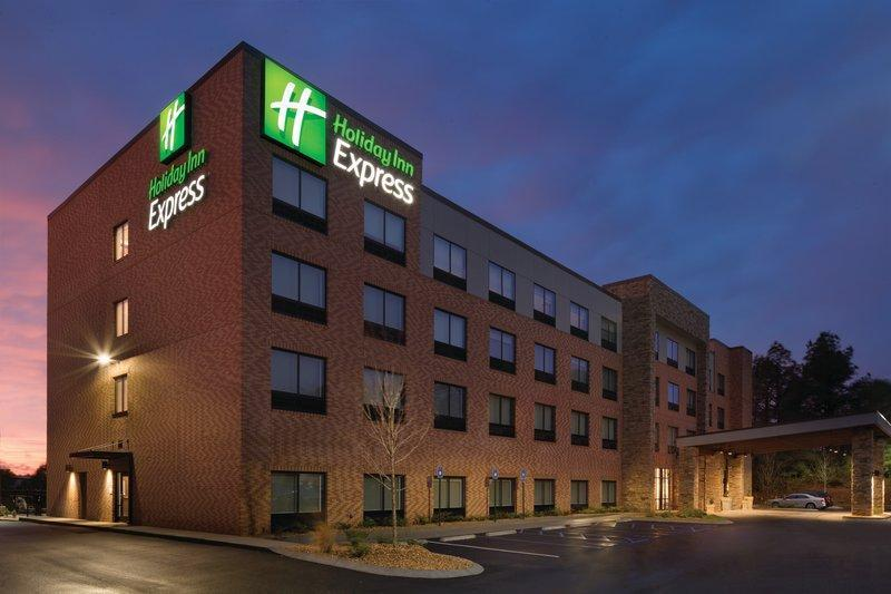 Holiday Inn Express Newnan