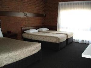 앨버리 타운하우스 모텔  (Albury Townhouse Motel)