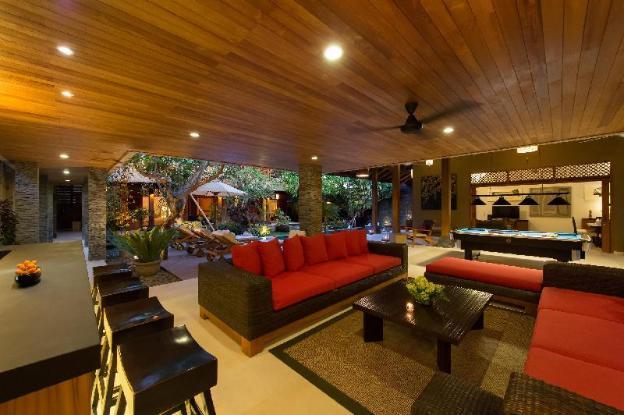 Luxury 9 BR Private Villa by the beach, Seminyak
