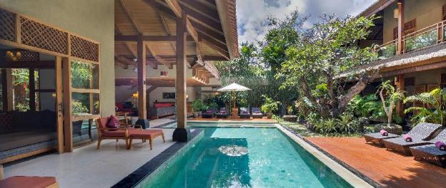 Luxury 9 BR Private Villa by the beach, Seminyak