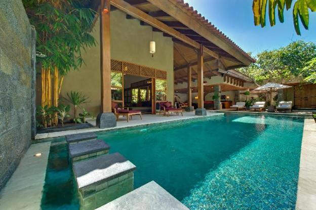 7 BR Private Modern villa by the beach, Seminyak