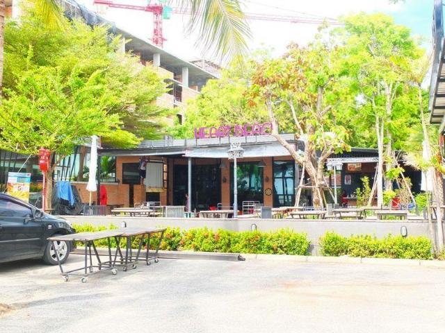ฮาร์ทบีช รีสอร์ท – Heart Beach Resort