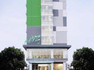 โรงแรมวิซ ชิกินี จาร์กาตา (Whiz Hotel Cikini Jakarta)