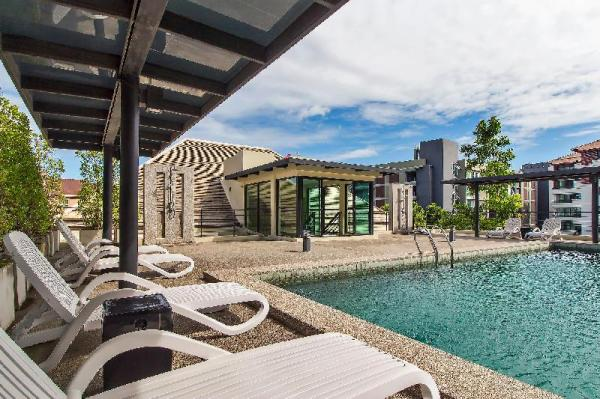 Luxe Resort Modern 14 Bed Rooftop Pool Villa Pattaya