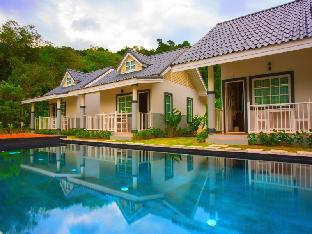 Suksompong Resort สุขสมปอง รีสอร์ท