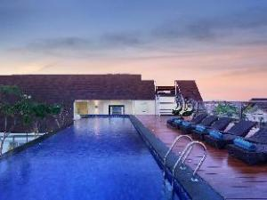 Holiday Inn Express Bali Kuta Square
