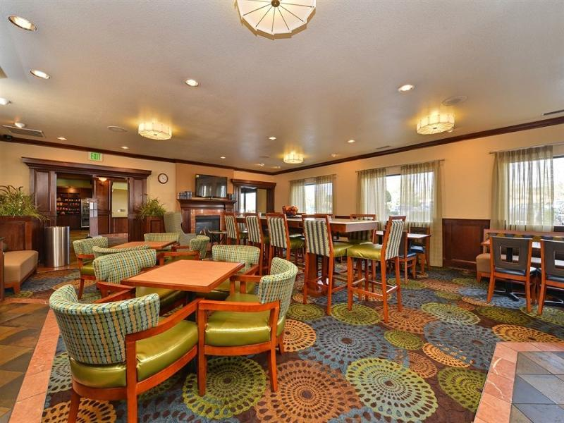 Holiday Inn Express Portland SE   Clackamas Area