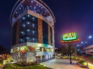 TGB 익스프레스 호텔 - 나디아드  (TGB Express Hotel - Nadiad)