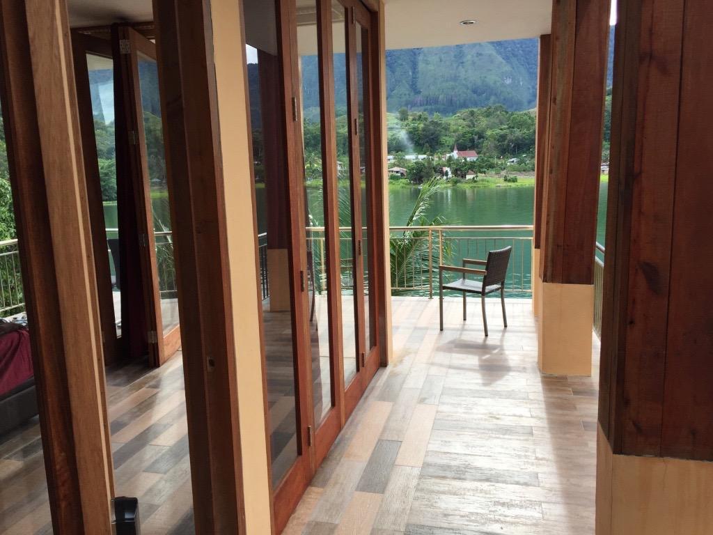 Peaceful Lakeside Villa  AMORA
