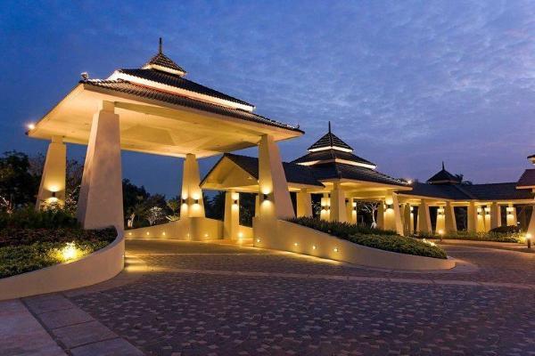Novotel Chumphon Beach Resort and Golf Chumphon