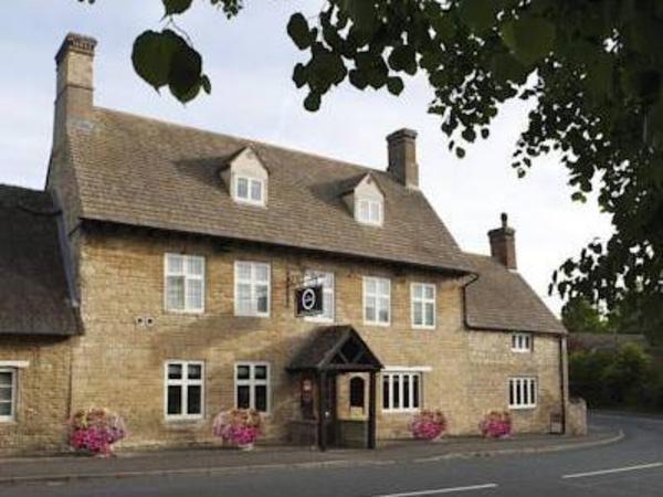 Dashwood Restaurant Rooms & Bar Kirtlington