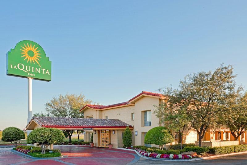 La Quinta Inn And Suites By Wyndham Lewisville