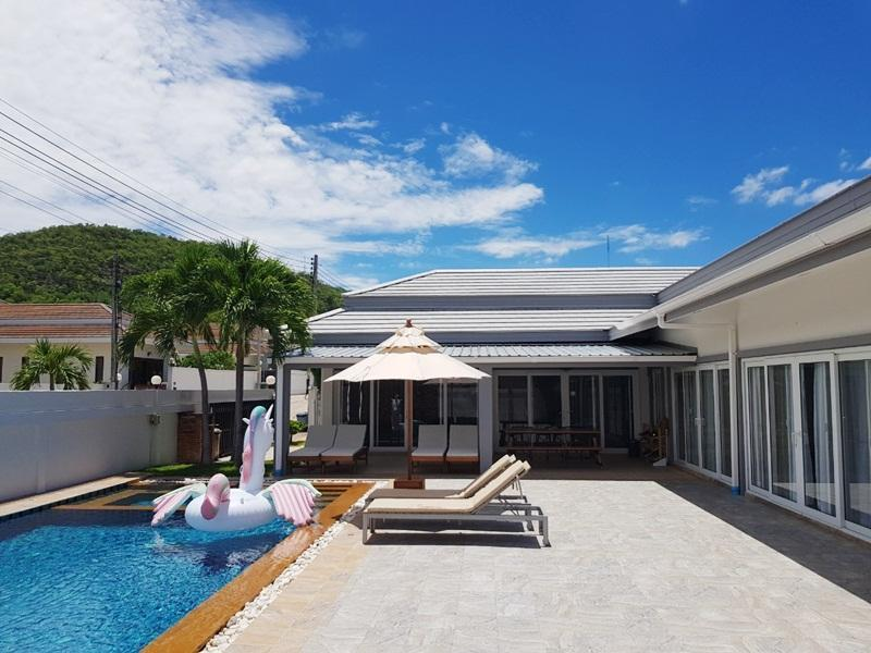 Thiva Pool Villa Plus Hua Hin