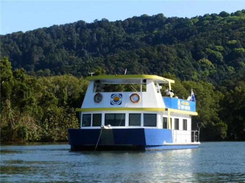 Boyds Bay Houseboat Holidays