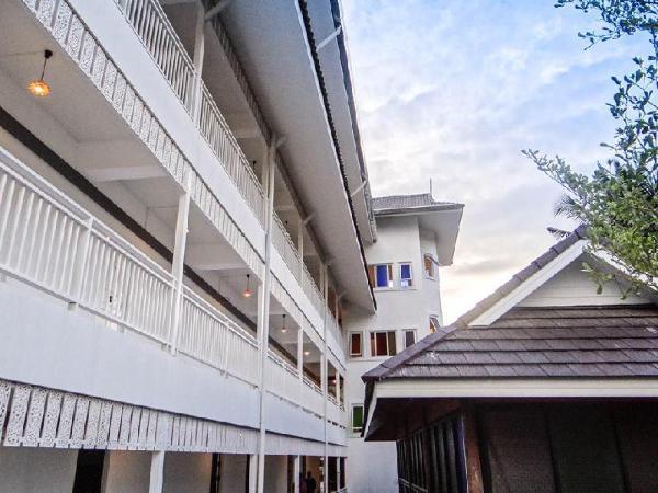 Ban Phraya Lanna Apartments Chiang Mai