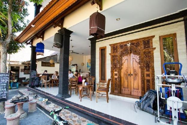 Puji Bungalow & Hostel