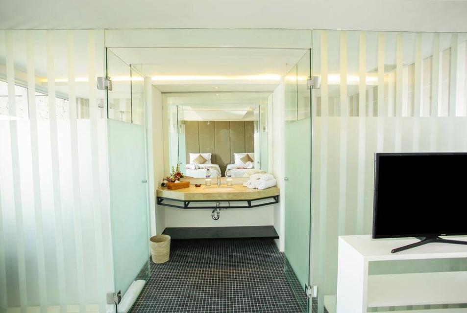 109 Suite Room Beach Front At Nusa Dua  SB