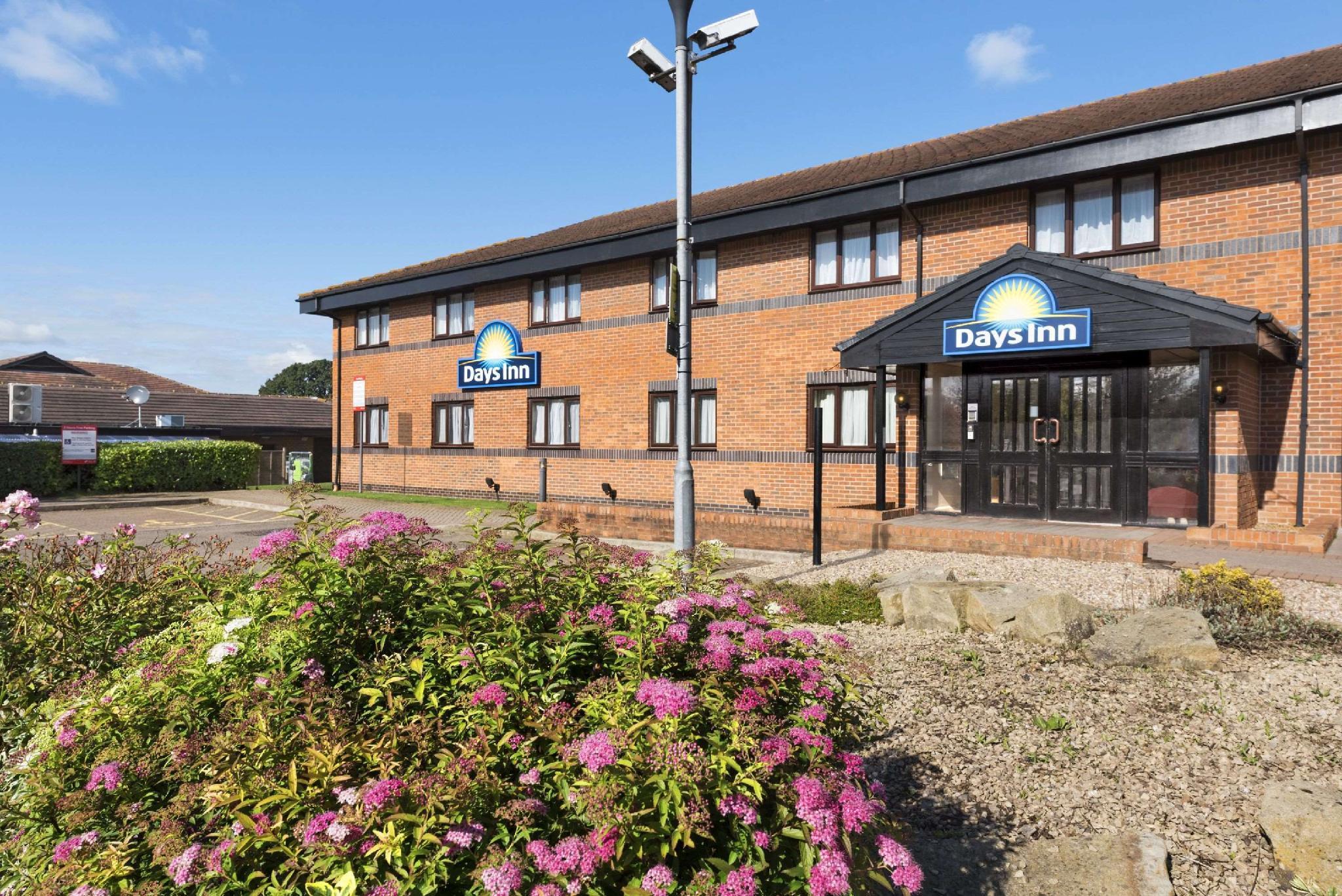 Days Inn by Wyndham Warwick South M40