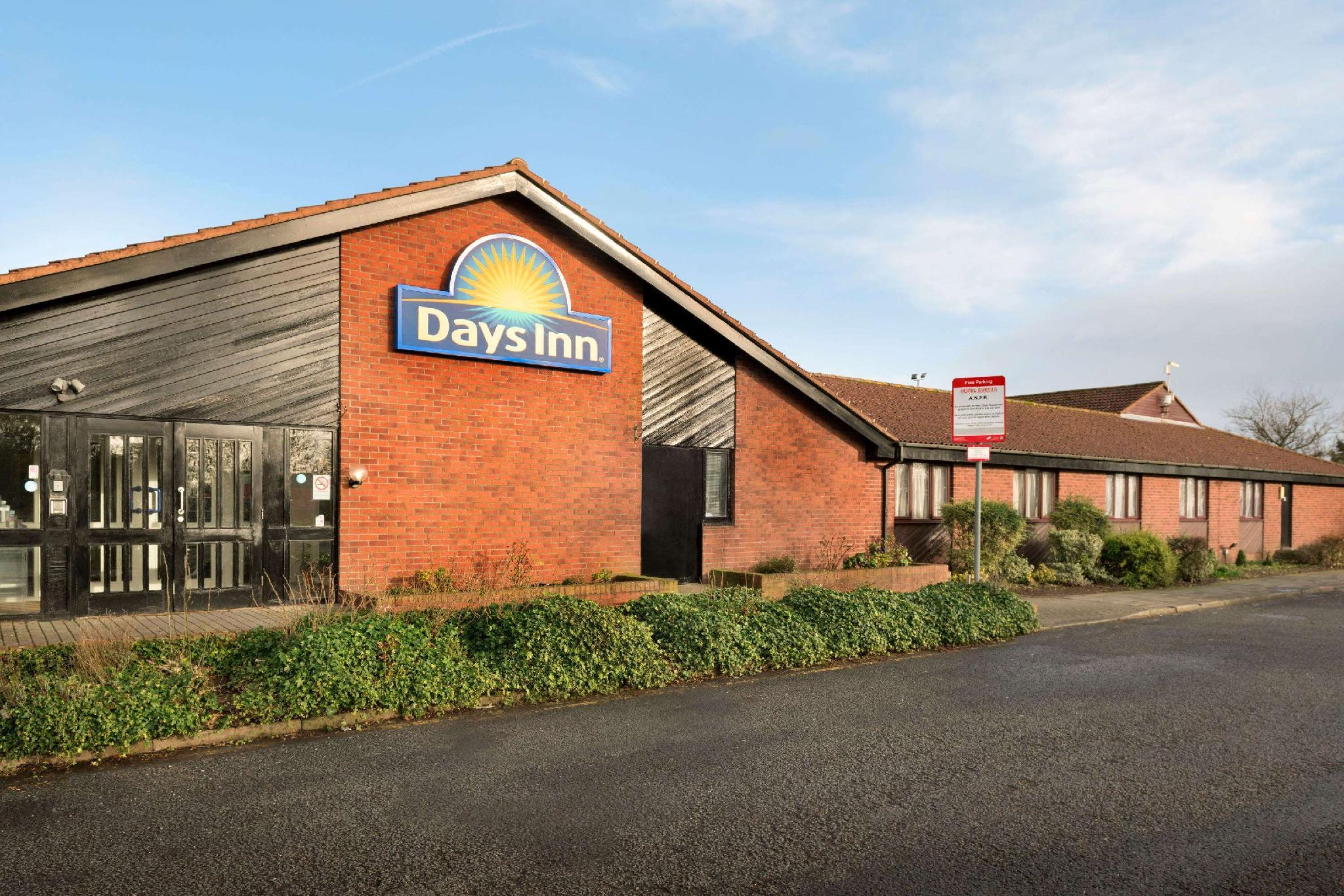 Hotels Reviews: Days Inn Gretna Green M74 – Picture, Room Prices & Deals