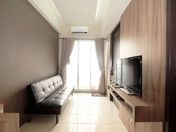 Minimalist 2BR Serpong Greenview Apt By Travelio Tangerang