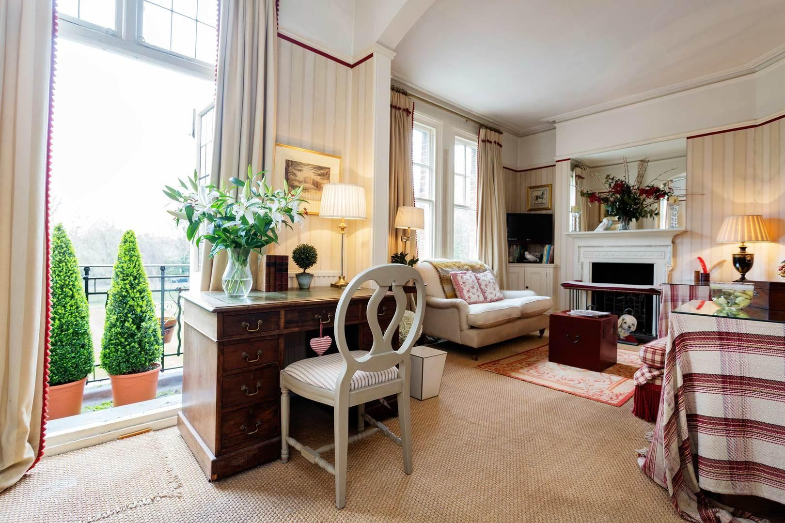 English Country House Charm Reviews