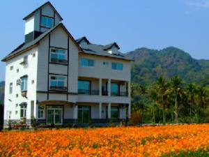 Chung Cheng Hu European Style Hostel