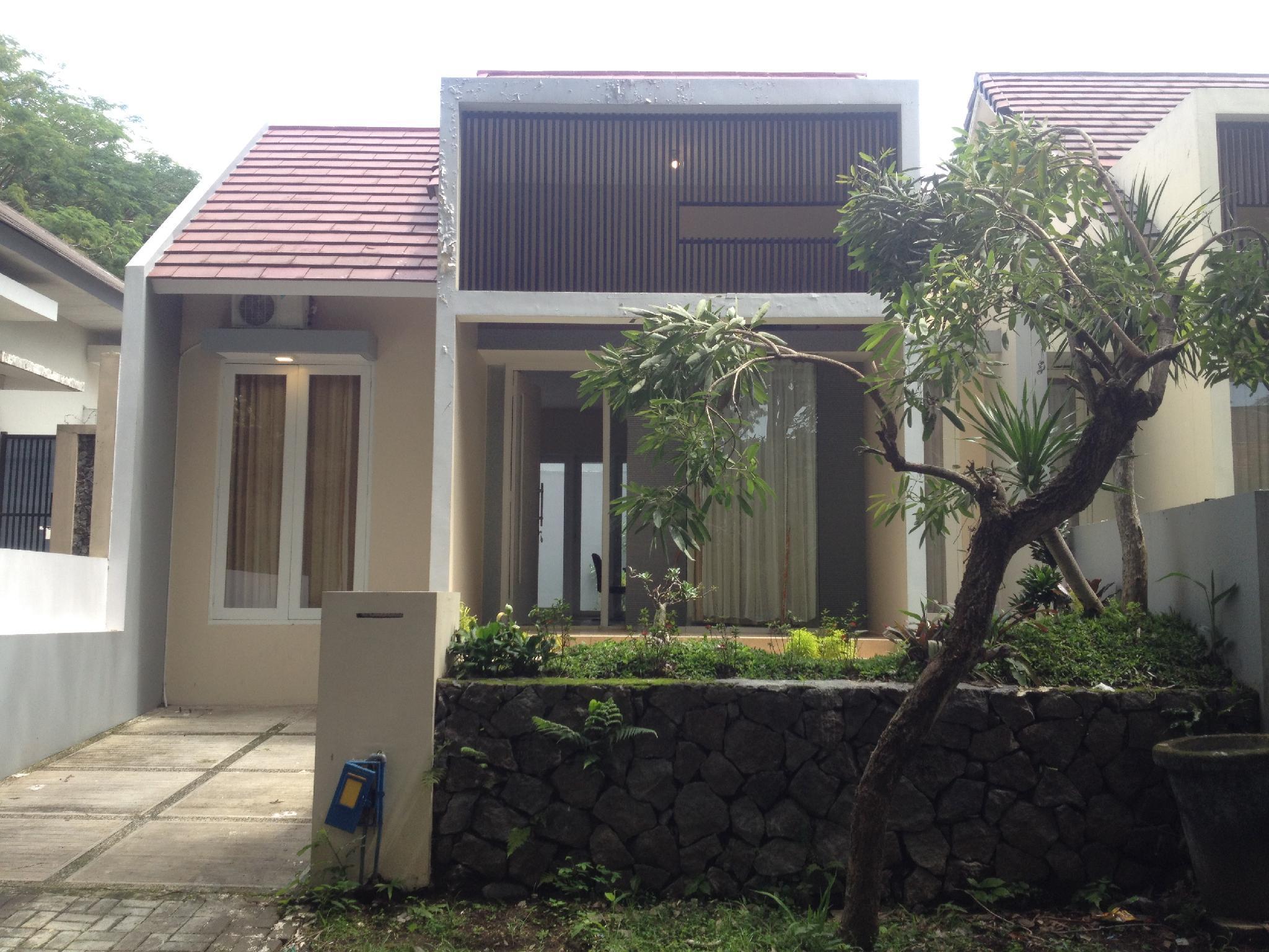 RiverSide Homestay Malang