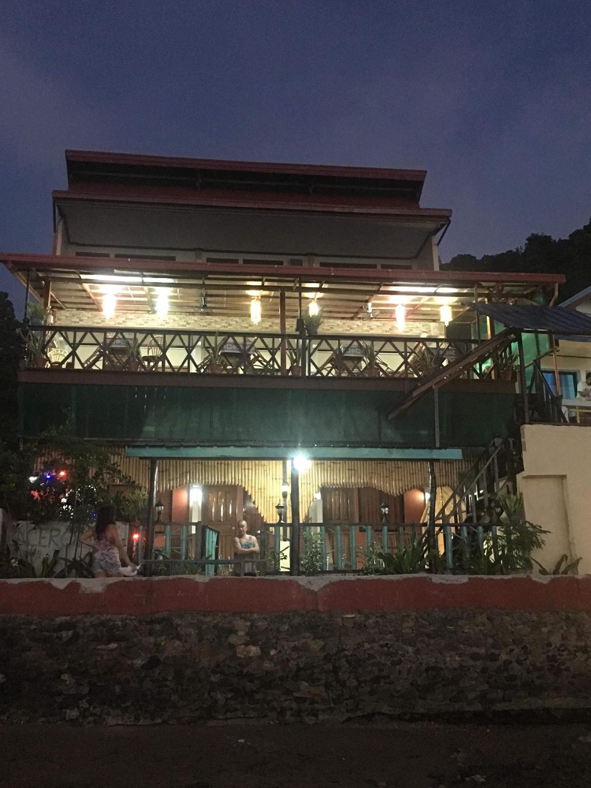 RL Coastline Inn