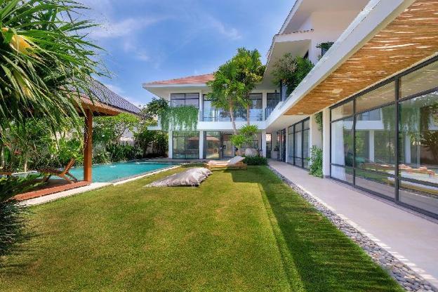 Villa Nonnavana Trendy, Modern Home in Batu Bolong
