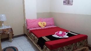 picture 2 of relaxing fresh bed