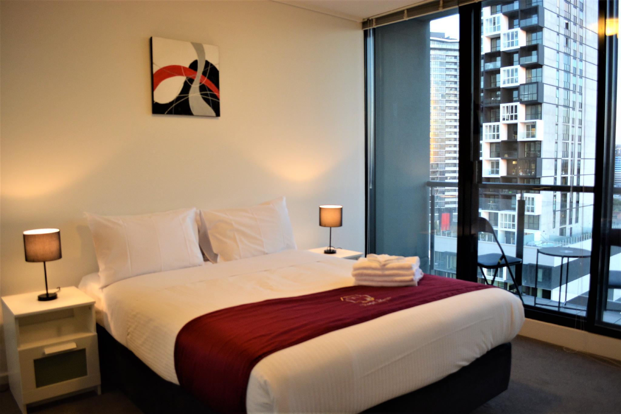 Royal Stays Apartments   Whiteman St