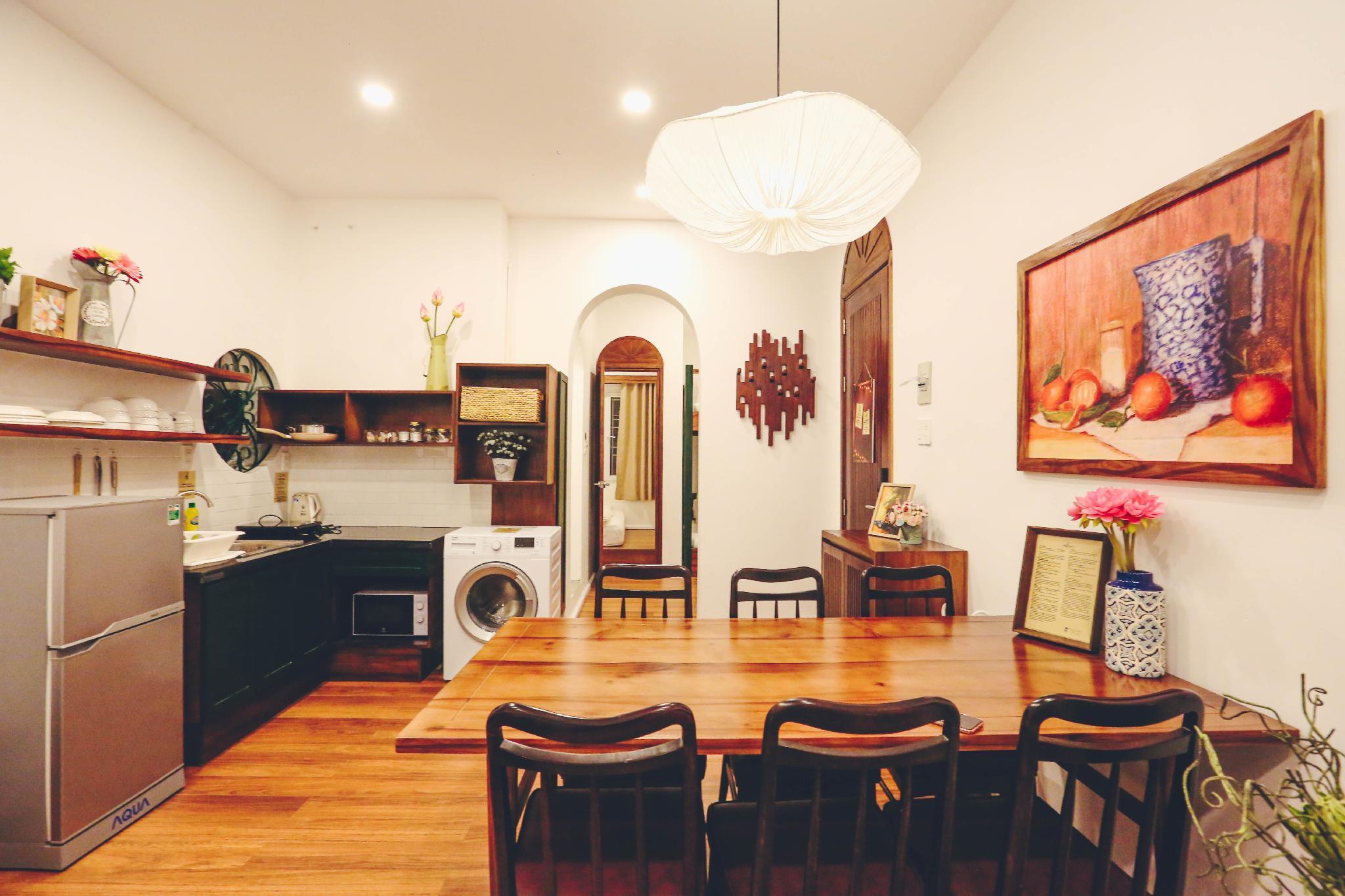 Elegant Family Apartment In City Center