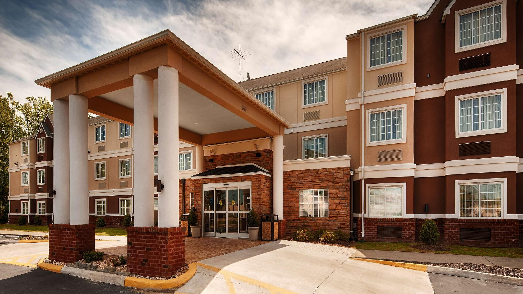 Best Western Plus Elizabeth City Inn And Suites
