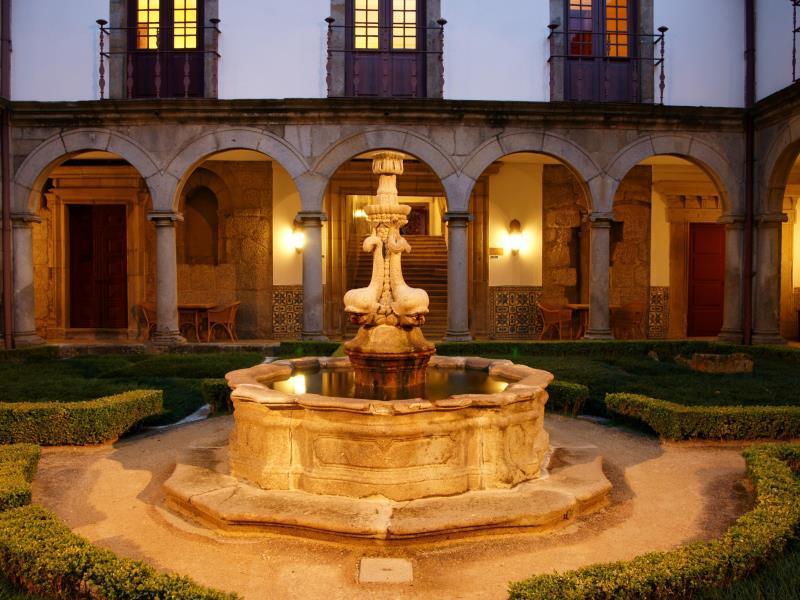 Pousada Mosteiro De Guimaraes  Monument Hotel