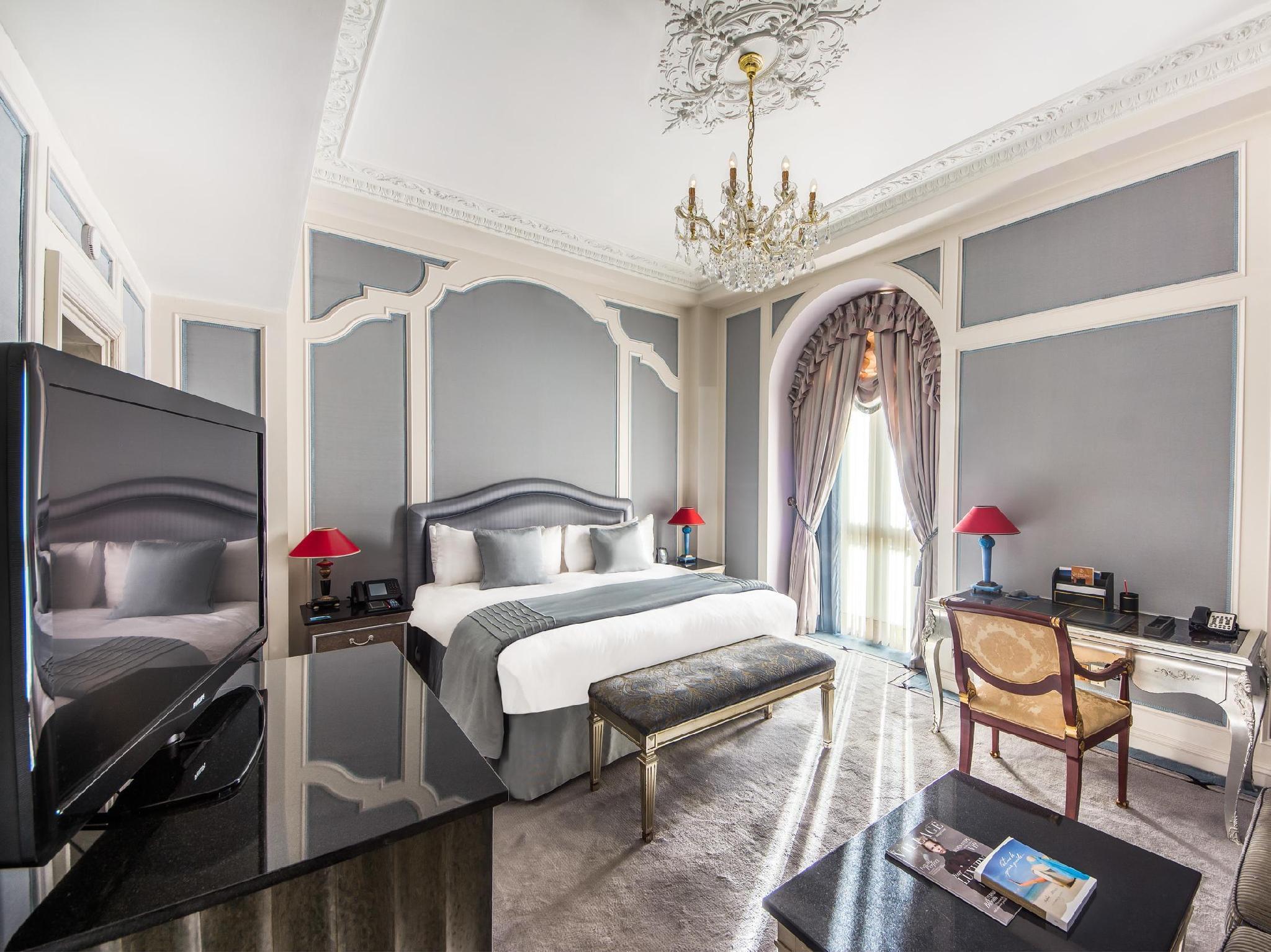 The Bentley London Hotel