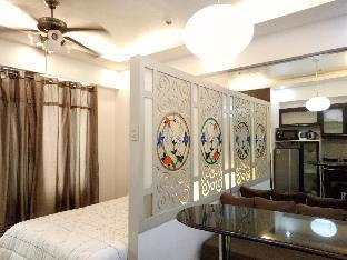 picture 1 of Cozy 1BR next to Venice Mall at BGC + WiFi Taguig