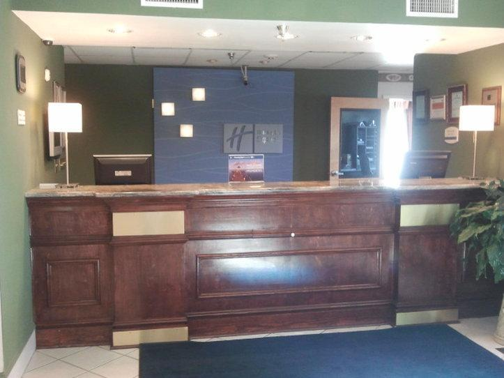 Holiday Inn Express And Suites Montgomery