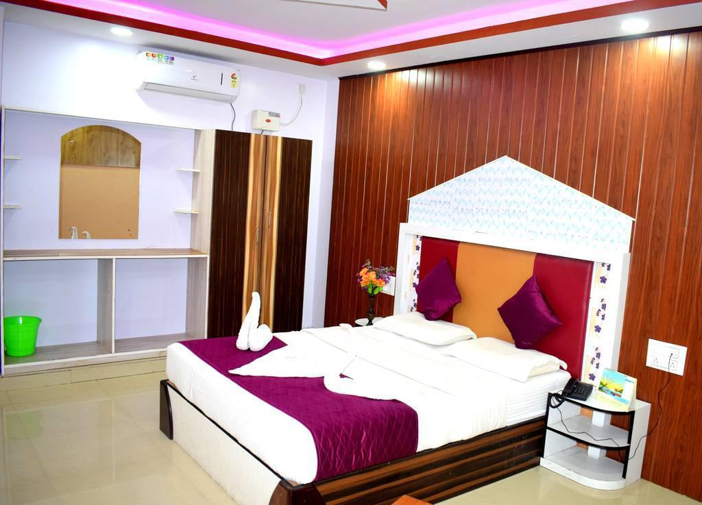 Chilled Out Double Room Stay In The City Of Mysore