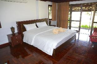 3 bedroom Bali Style Villa by the sea/canal - 21350632