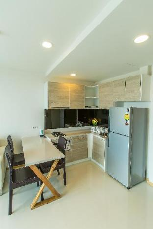 Family 2 bed with Pool View 300 meter from beach and Jomtien Market - 13695704